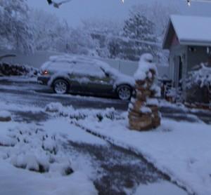 arch inuk snow