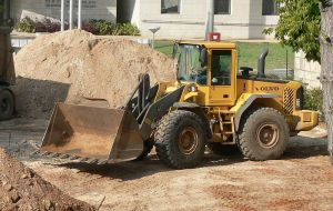 800px-Wheel-loader02[1]